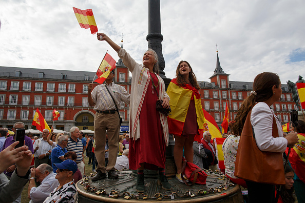 Catalonia「Protests In Madrid As Catalonian Votes In Referendum」:写真・画像(8)[壁紙.com]