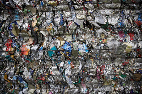 Full Frame「Compacted can recycling」:写真・画像(16)[壁紙.com]