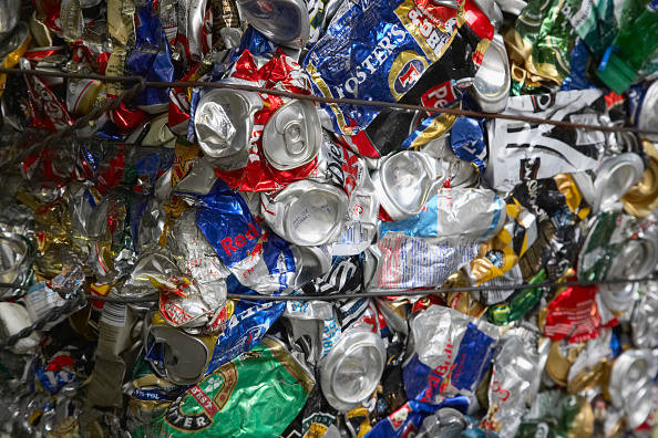 Full Frame「Compacted can recycling」:写真・画像(13)[壁紙.com]