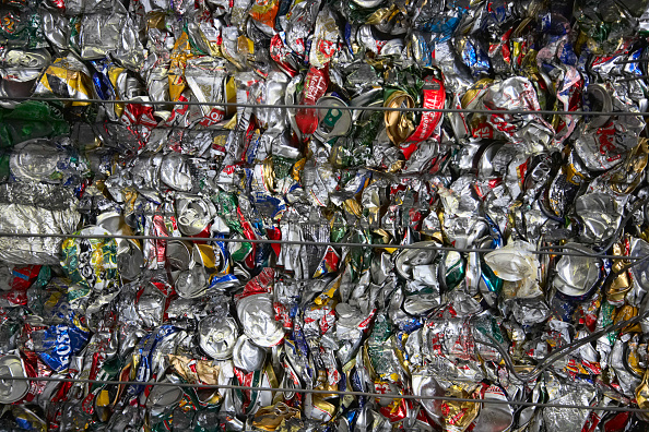 Full Frame「Compacted can recycling」:写真・画像(6)[壁紙.com]