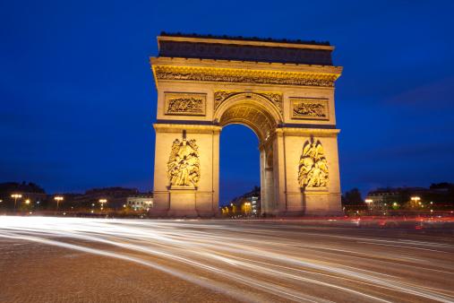 Arc de Triomphe - Paris「Arc de Triomphe and Traffic at Night, Paris, France」:スマホ壁紙(10)