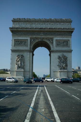 Arc de Triomphe - Paris「Arc de Triomphe in Paris, France」:スマホ壁紙(1)