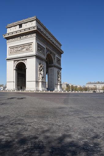 Arc de Triomphe - Paris「Arc de Triomphe in Paris, France」:スマホ壁紙(13)