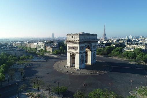 Arc de Triomphe - Paris「Arc de Triomphe and Place Charles de Gaulle in Paris, France」:スマホ壁紙(19)