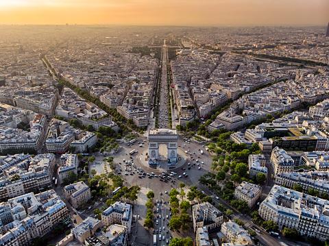 Avenue「Arc de Triomphe in Paris at sunrise」:スマホ壁紙(8)