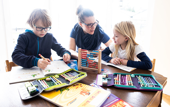 Child「Schools Begin Closing Across Germany As Measures To Stem Coronavirus Spread」:写真・画像(16)[壁紙.com]