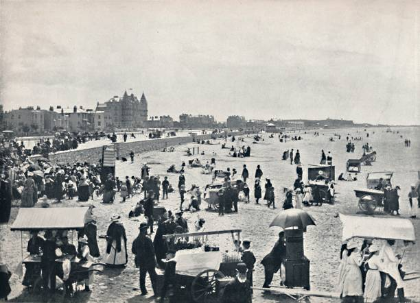 Weston-Super-Mare - A Summer Scene On The Sands:ニュース(壁紙.com)