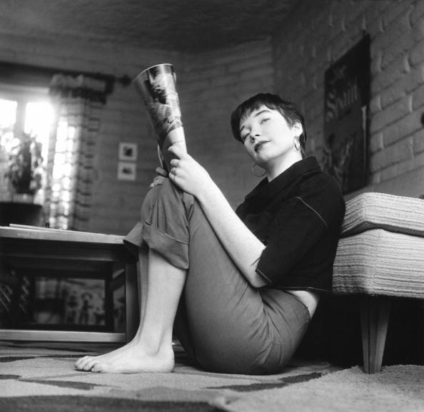 Actress「Shirley MacLaine Reading At Home」:写真・画像(18)[壁紙.com]