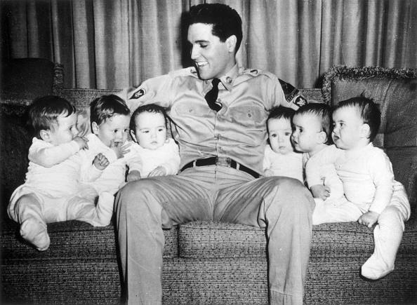 Affectionate「Elvis And Twins」:写真・画像(4)[壁紙.com]
