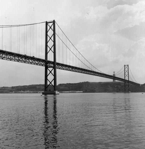 Architectural Feature「Suspension Bridge」:写真・画像(12)[壁紙.com]