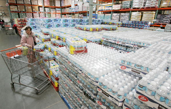 Water「Costco Beats Second Quarter Estimates」:写真・画像(2)[壁紙.com]
