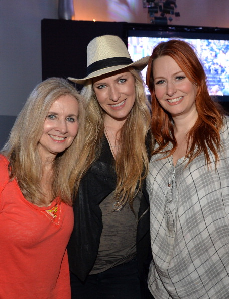 Cream Colored Hat「Holly Williams Plays 3rd & Lindsley」:写真・画像(4)[壁紙.com]