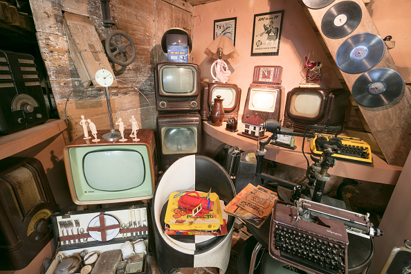 Five Objects「Bakelite Museum Seeks A New Home」:写真・画像(16)[壁紙.com]