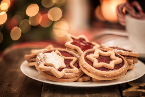 Cookie「Decorated Holiday Christmas Cookies And Biscuits」:スマホ壁紙(18)