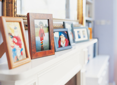 Photography Themes「Photographs on a Mantelpiece」:スマホ壁紙(12)