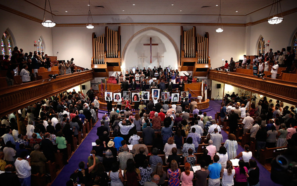 2015 Emanuel AME Church Charleston Shootings「Vigil Held For Victims Of Charleston Church Shooting」:写真・画像(13)[壁紙.com]