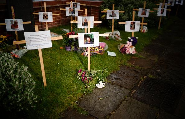 Death「UK In Sixth Week Of Coronavirus Lockdown」:写真・画像(18)[壁紙.com]