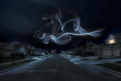 Spooky「Glowing Shape over Suburbs」:スマホ壁紙(8)