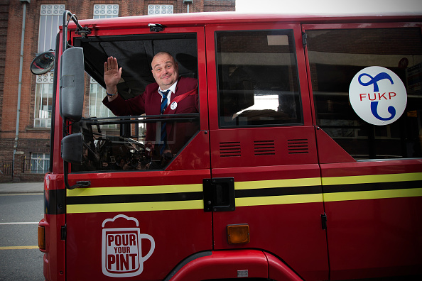 Comedian「Pub Landlord Al Murray Submits His Papers To Stand In The General Election In Thanet」:写真・画像(7)[壁紙.com]