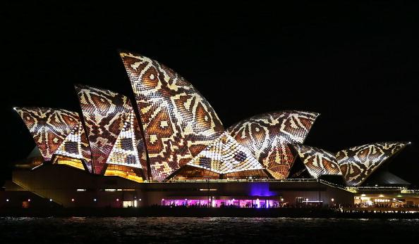 International Landmark「VIVID Sydney Light Festival」:写真・画像(7)[壁紙.com]