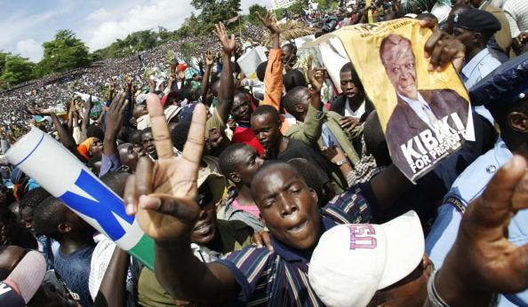 Nairobi「Mwai Kibaki Wins Kenyan Presidency」:写真・画像(9)[壁紙.com]