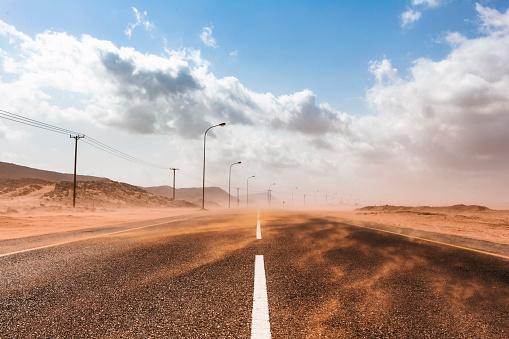 Snowdrift「Sultanate Of Oman, Ras al Hadd, Desert road in a sand storm」:スマホ壁紙(13)