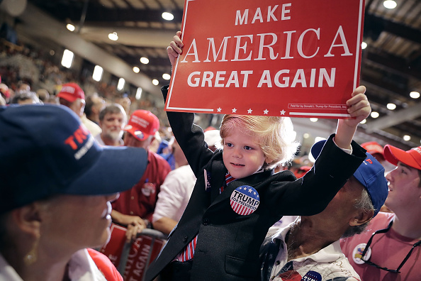 2016 United States Presidential Election「Donald Trump Campaigns In Jacksonville, Florida」:写真・画像(1)[壁紙.com]