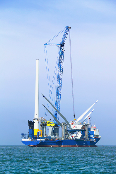 Sunny「First Nacelles onboard the sea energy arrive at the Kentish flats windfarm Whitstable Kent」:写真・画像(17)[壁紙.com]