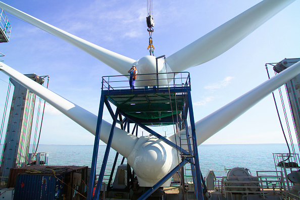 Greenhouse「First Nacelles onboard the sea energy jackup ship ready for lifting into place on the Kentish flats windfarm sight Whitstable Kent」:写真・画像(6)[壁紙.com]