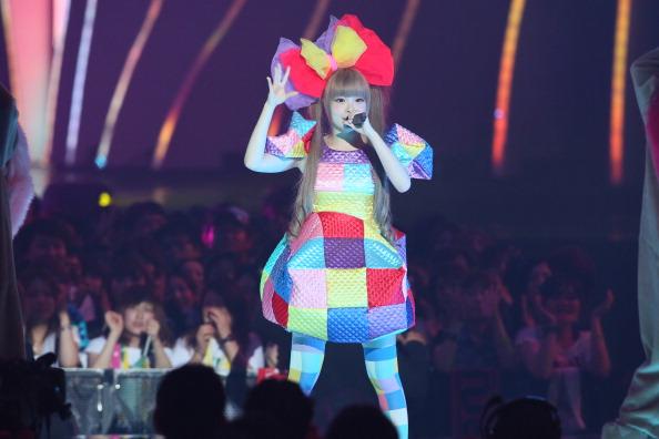 きゃりーぱみゅぱみゅ「MTV Video Music Japan 2012 - Show」:写真・画像(2)[壁紙.com]