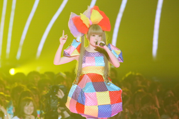 きゃりーぱみゅぱみゅ「MTV Video Music Japan 2012 - Show」:写真・画像(9)[壁紙.com]