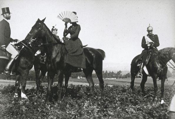 Austria「Kaiserin Elisabeth von Österreich riding a horse. She is hiding her face behind a fan. Photograph by Baader. Around 1865.」:写真・画像(16)[壁紙.com]