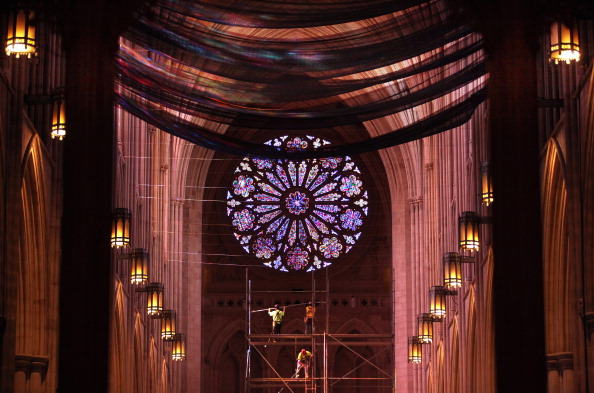 Construction Equipment「National Cathedral Installs Safety Nets In Wake Of Damage Resulting From Earthquake」:写真・画像(1)[壁紙.com]