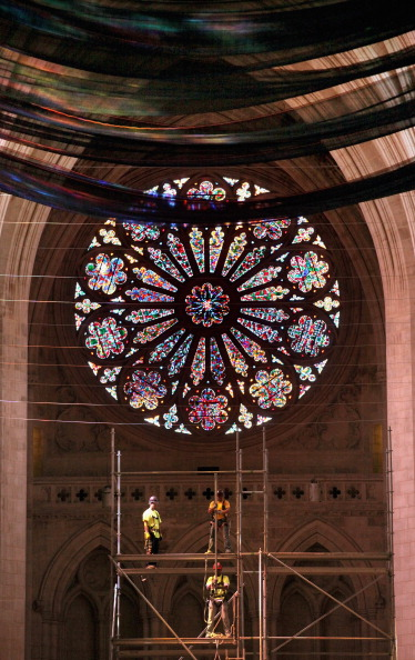 Construction Equipment「National Cathedral Installs Safety Nets In Wake Of Damage Resulting From Earthquake」:写真・画像(2)[壁紙.com]