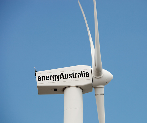Blade「A lone wind turbine stands defiant pointing to a more sustainable future, in Newcastle, which is the worlds largest coal port, New South Wales, Australia.」:写真・画像(1)[壁紙.com]