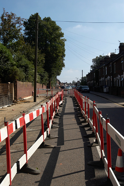 Footpath「Temporary diverted footpath around highway roadworks, Ipswich, United kingdom」:写真・画像(17)[壁紙.com]