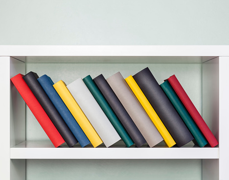Shelf「Books in a shelf」:スマホ壁紙(16)