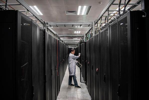 Engineering「Inside Huawei, China's Tech Giant」:写真・画像(1)[壁紙.com]