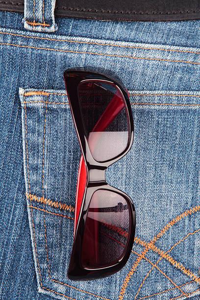 Sunglasses in a denim jeans pocket:スマホ壁紙(壁紙.com)