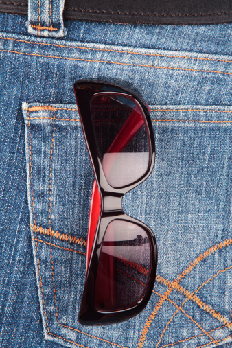 Pocket「Sunglasses in a denim jeans pocket」:スマホ壁紙(13)
