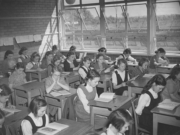 Females「New Classroom」:写真・画像(15)[壁紙.com]