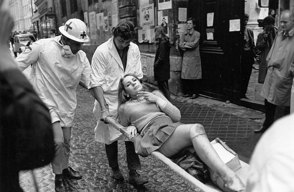 Reg Lancaster「Student Riots」:写真・画像(10)[壁紙.com]
