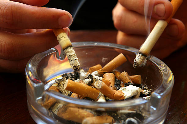 Smoking Ban Comes Into Effect In England:ニュース(壁紙.com)