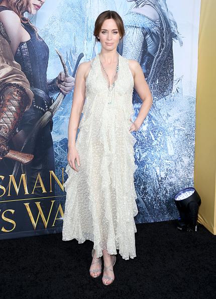 ノースリーブワンピース「Premiere Of Universal Pictures' 'The Huntsman: Winter's War' - Arrivals」:写真・画像(16)[壁紙.com]