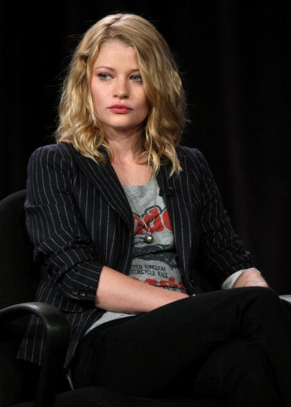 Emilie De Ravin「2010 Winter TCA Tour - Day 4」:写真・画像(7)[壁紙.com]