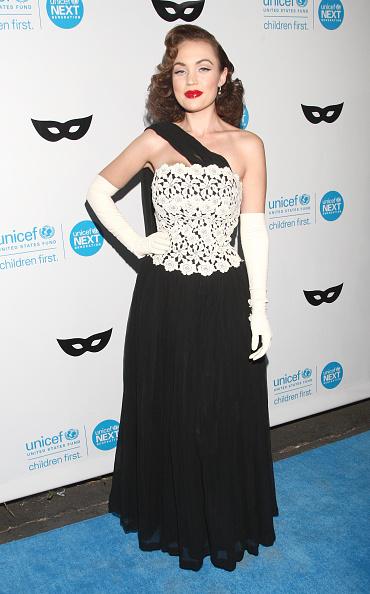 Evening Glove「UNICEF Next Generation Presents Its Third Annual UNICEF Black & White Masquerade Ball」:写真・画像(2)[壁紙.com]