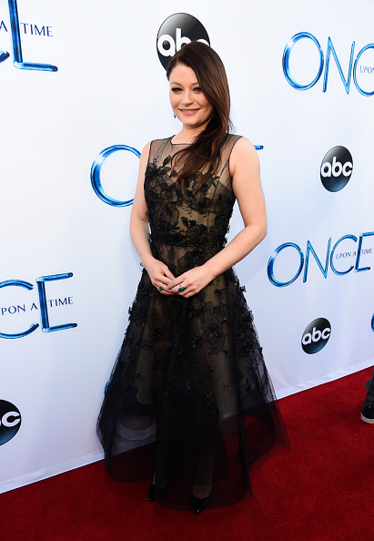 "Emilie De Ravin「Screening Of ABC's ""Once Upon A Time"" Season 4 - Red Carpet」:写真・画像(18)[壁紙.com]"