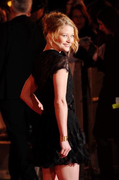 Emilie De Ravin「Remember Me: UK Film Premiere Outside Arrivals」:写真・画像(6)[壁紙.com]