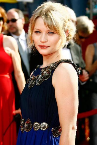 Emilie De Ravin「60th Primetime Emmy Awards - Arrivals」:写真・画像(14)[壁紙.com]