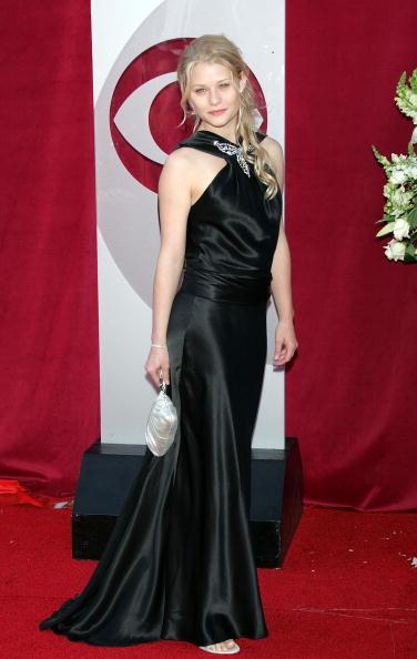 Clutch Bag「57th Annual Emmy Awards - Arrivals」:写真・画像(12)[壁紙.com]